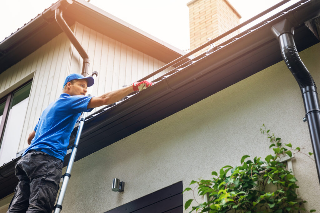 fairfield ohio gutter cleaning